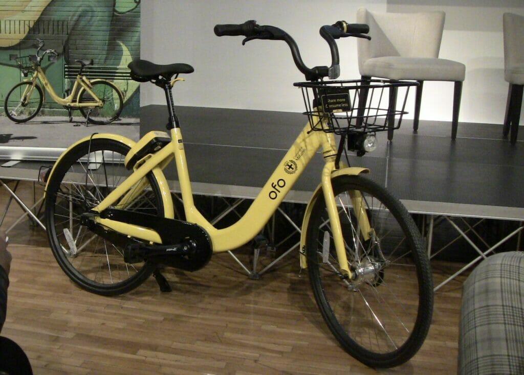bike sharing, Ofo: a Milano col bike sharing la bici la prendi e la lasci dove vuoi