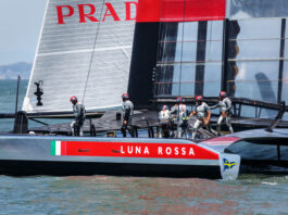 America's Cup qualifying race team Luna Rossa
