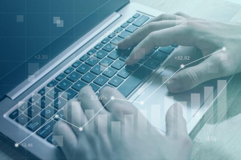 Più Pc e meno Intelligenza artificiale per migliorare la produttività: la ricerca di Lenovo e Intel